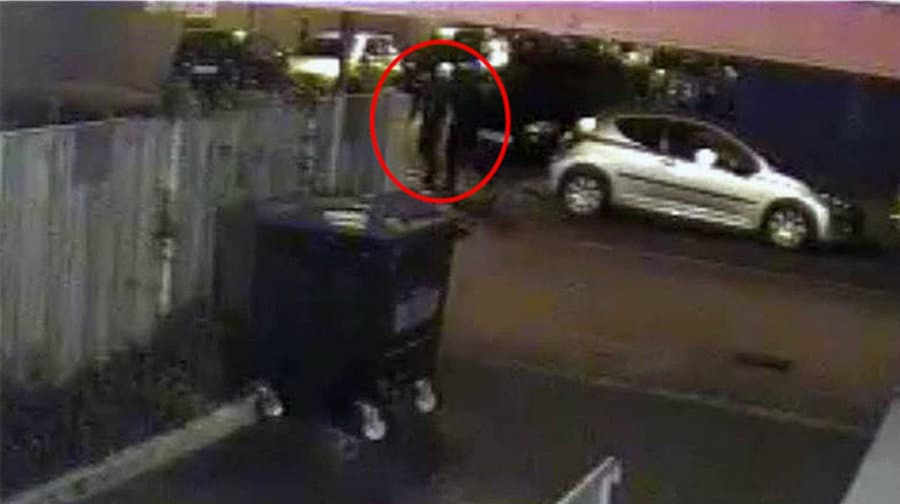 Two suspects caught on CCTV. Photo distributed by Metropolitan Police