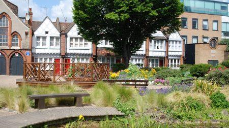Red Cross Garden in Borough